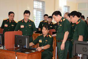 Tăng cường năng lực toàn diện cho cán bộ thông tin liên lạc cấp phân đội
