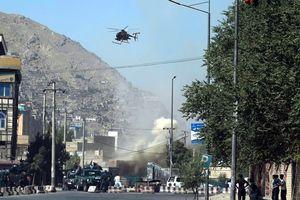 Kabul rung chuyển vì loạt tấn công tên lửa
