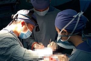 Cứu sống bệnh nhi suýt vỡ động mạch phổi do mắc bệnh hiếm gặp
