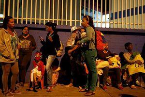 Người dân hoảng loạn tháo chạy vì động đất 7,3 độ tại Venezuela