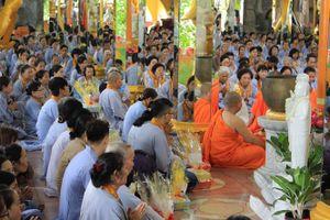 Nên cúng lễ Vu Lan ở nhà hay lên chùa: Lời giải từ thượng tọa trụ trì