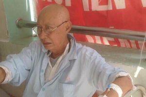 Diễn viên gạo cội Lê Bình bị ung thư phổi, nằm cùng khoa với Mai Phương