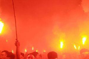 CĐV Việt Nam đổ ra đường ăn mừng chiến thắng của U23 Việt Nam