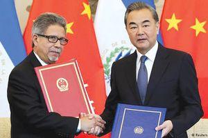 Mỹ lo Trung Quốc nối dài tay sang châu Mỹ