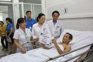 Trao gần 2,5 tỉ đồng cho các bệnh nhân vụ tai nạn xe rước dâu