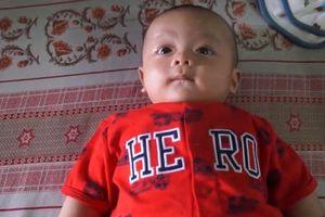 Tìm cha mẹ của bé trai bị bỏ rơi trước cửa nhà dân ở Đồng Nai