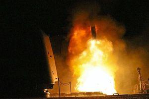 Tàu chiến, máy bay thả bom và tên lửa đang được chuẩn bị để tấn công Syria