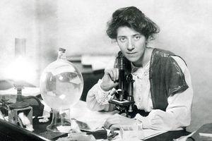 Những bí ẩn thú vị về nữ tiến sỹ Anh đầu tiên viết cẩm nang hướng dẫn 'chuyện phòng the'