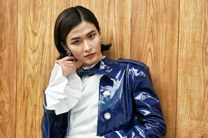 Giữa tin đồn 'Team Sang' tan rã, Cao Thiên Trang diện đồ chất chơi, 'phá đảo' phố phường