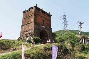 Khai quật khảo cổ di tích Hải Vân Quan, xuất hiện nhiều dấu tích xưa