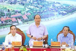 Thủ tướng Nguyễn Xuân Phúc: Quảng Bình là 'viên kim cương xanh' của Việt Nam