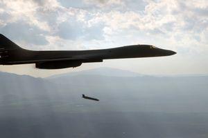 B-1B Mỹ chực phóng AGM-158 JASSM vào Syria