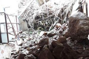 Nghệ An: Núi lở đè sập nhà, người dân hoảng loạn