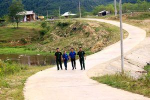 Mở đường vào... lòng dân
