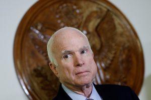 Thượng nghị sĩ John McCain qua đời