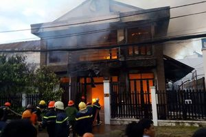 Người đàn ông 66 tuổi thiệt mạng trong căn nhà 3 tầng bị cháy
