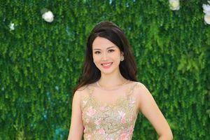 Hoa hậu Việt Nam Thu Thủy xinh đẹp rạng ngời ở tuổi 42