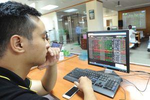 Khi cổ phiếu trong 'vòng vây' của rủi ro chính sách