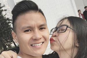 Bạn gái Quang Hải: 'Nhìn anh ngã bị chảy máu, em chỉ thấy xót'