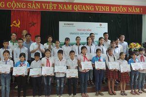 VINASEED trao 25 suất học bổng cho trẻ em nghèo học giỏi tại Vĩnh Phúc