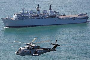 Ngắm vẻ đồ sộ tàu chiến Anh sắp sang thăm Việt Nam