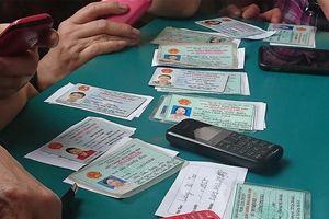 Chủ thuê bao 11 số 'méo mặt' vì phải tự đi đăng ký lại thông tin