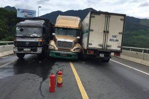 Tai nạn liên hoàn, đường dẫn Nam hầm Hải Vân ách tắc nghiêm trọng