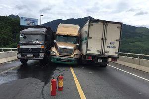 Tai nạn liên hoàn, đường tránh Nam Hải Vân-Túy Loan ách tắc nghiêm trọng 