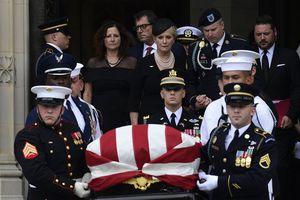 Con gái và con rể ông Trump xuất hiện trong tang lễ TNS John McCain