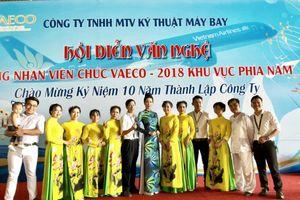 Trịnh Kim Chi diện áo dài, búi tóc thanh lịch trong sự kiện đặc biệt ngành hàng không