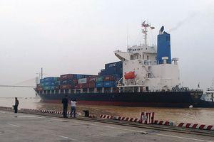 Vượt khó bảo đảm thông luồng hàng hải
