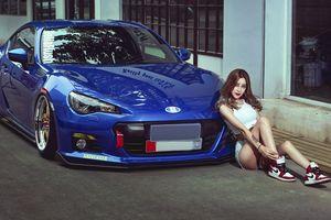 Hotgirl 'xăm trổ' cởi đồ bên xế độ Subaru BRZ