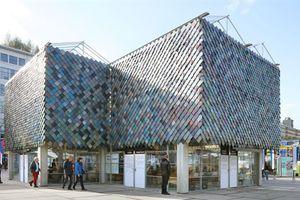 Cận cảnh nhà đẹp long lanh được xây bằng vật liệu tái chế từ rác