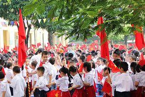 Đồng phục học đường: Loạn chiêu - Phụ huynh nặng gánh, bức xúc