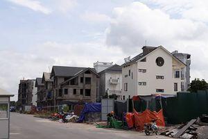Xây dựng sai phép tại khu nhà ở để bán tại phường Long Biên – Hà Nội: Có buông lỏng quản lý?