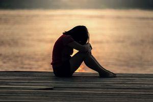 Nỗi đau giằng xé tâm can người đàn bà chịu điều tiếng oan khi chồng trầm cảm đột nhiên ra đi