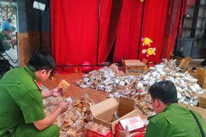 Phát hiện hàng nghìn bánh Trung thu chưa xác định nguồn gốc