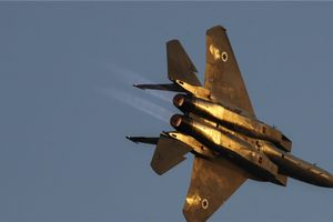 Israel nã tên lửa vào Hama và Tartus, phòng không Syria lập tức đánh chặn