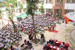 Học sinh trường tiểu học Ngô Thì Nhậm tưng từng khai giảng năm học mới 2018 - 2019