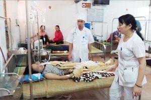 Hàng chục công nhân Công ty May KNF ở Yên Bái phải nhập viện