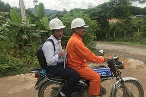 Khánh Hòa: Người thợ điện của buôn làng