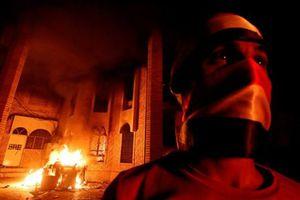 Iraq: Người biểu tình đốt phá Lãnh sự quán Iran ở thành phố Basra