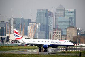 Mua vé máy bay online, 380.000 hành khách British Airways bị lộ thông tin