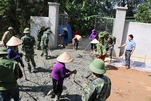 Hà Tĩnh: Xóm đạo vùng biên bứt phá về đích nông thôn mới bằng sức mạnh đoàn kết