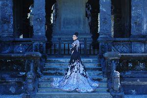 Hoa hậu thời trang Như Thủy Shelife 'nền nã' trong tà áo dài hoàng tộc