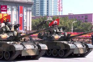 Toàn cảnh Triều Tiên duyệt binh hoành tráng ngày Quốc khánh