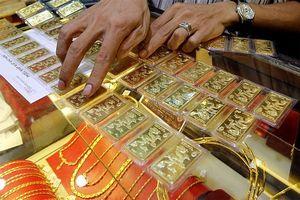 Giá vàng đầu tuần lại giảm sâu trước sức ép đồng đô la Mỹ