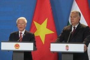 Tổng Bí thư Nguyễn Phú Trọng và Thủ tướng Hungary Viktor Orban chứng kiến Lễ ký kết, phát biểu với báo chí