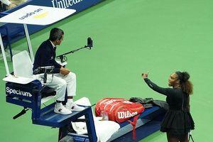 Serena bị phạt 17.000 USD vì đập vợt, gọi trọng tài là 'kẻ trộm'