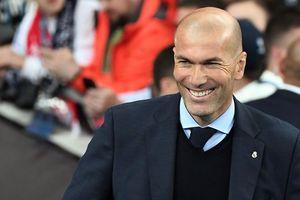 Zidane đánh tiếng với MU, Mourinho lo sốt vó